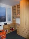 nábytek psací stůl a skříně buk