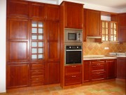 kuchyně - masiv olše mořená