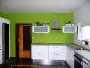 kuchyně bílá a zelená 1